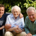 Une superbe photo réunissant 4 générations pour la fête des grands pères