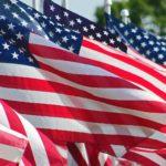 Des drapeaux américains pour une sélection de prénoms garçons américains