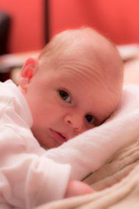 Les cheveux de bebe change de couleur